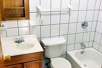 Bathroom, 550 W 183rd St, 2
