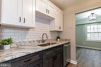 Kitchen, 3901 Lyndhurst Dr 303, 0