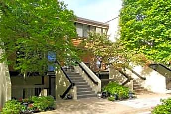 Building, 2108 S Quincy St, 0