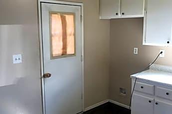 Kitchen, 21385 Klamath Rd, 1
