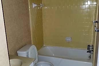 Bathroom, 1706 Vineyard Dr N, 2