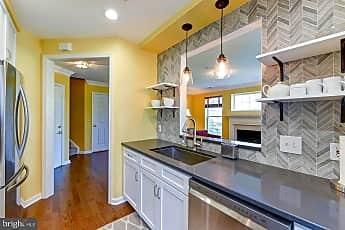 Kitchen, 1405 Roundhouse Ln 308, 0