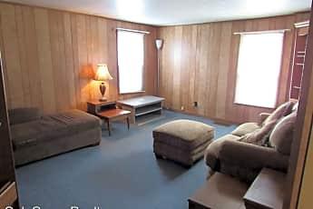 Living Room, 121 S 8th St, 0