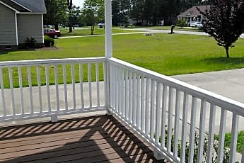 Patio / Deck, 102 Maryland Dr, 1