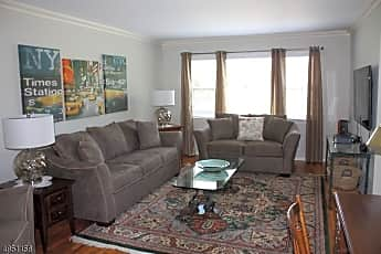 Living Room, 45 Westview Ave A, 0