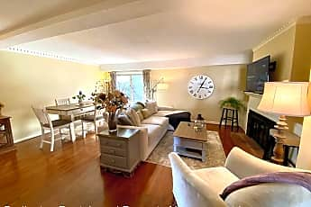 Living Room, 554 Isley Place, 1
