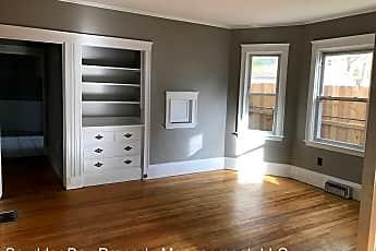 Living Room, 99 Laurel Ave, 0