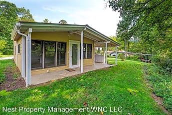 Building, 213 Woodland Dr, 0