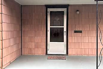 Patio / Deck, 815 N Washington St, 1