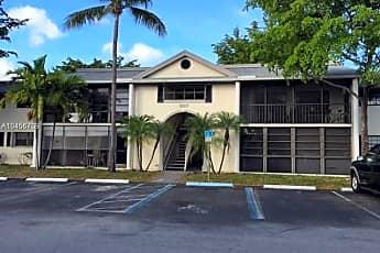 Building, 907 NE 199th St, 2