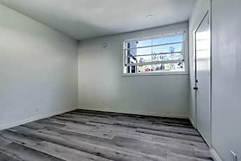 Bathroom, 4557 N Figueroa St, 2