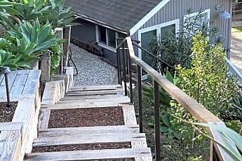 Lower Cottage 6v2.jpg, 35 Silver Saddle Lane, 2