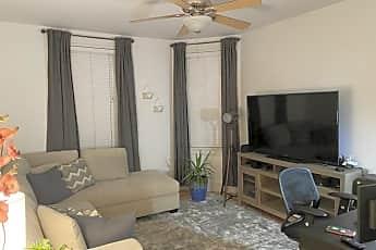 Living Room, 512 Main St, 1