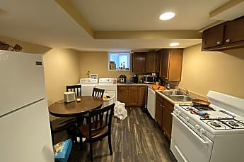 Kitchen, 909 Gompers Ave, 1