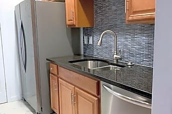 Kitchen, 77 W Broad St, 0