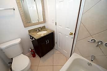 Bathroom, 2208 Vine St, 2