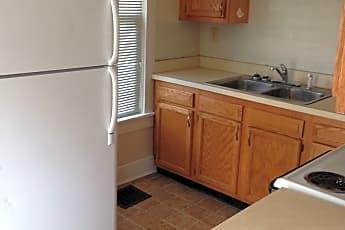 Kitchen, 919 Pierce Ave, 1