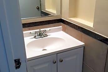 Bathroom, 1312 N Clybourn Ave, 1