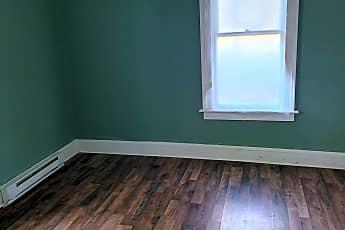Living Room, 594 Garden St, 2