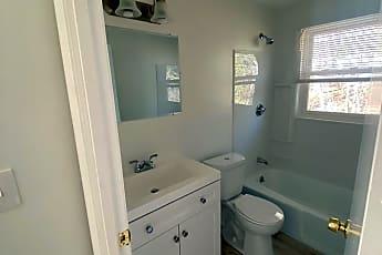 Bathroom, 95 Upton St, 0