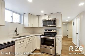 Kitchen, 653 800 E, 0