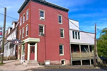 Building, 1600 W Market St, 0