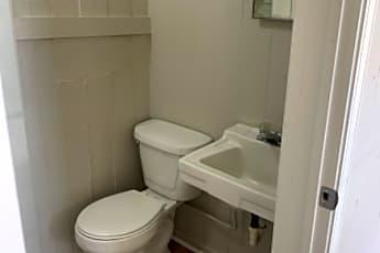 Bathroom, 911 College Ave, 0