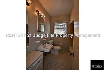 Full Bathroom, 10238 San Lorenzo Drive, 2
