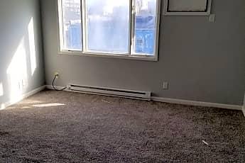 Living Room, 515 W Monroe St, 1