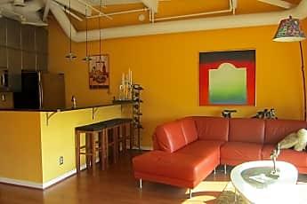 Living Room, 3 N Christopher Columbus Blvd TD422, 0