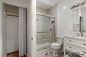 Bathroom, 461 N 6Th St, 2