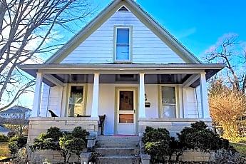 Building, 338 S Maple St, 0