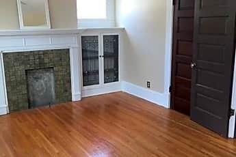 Living Room, 225 E Mithoff St, 0