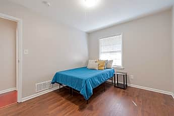 Bedroom, Room for Rent -  a 5 minute drive from downtown St, 2