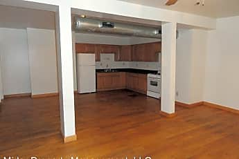 Bathroom, 106 W King St, 2