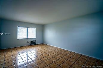 Living Room, 460 NE 82nd Terrace 7, 1