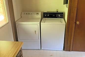 Kitchen, 804 Creekside Dr, 2