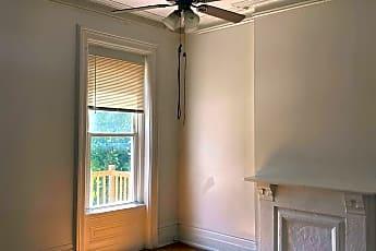 Living Room, 2425 Vine St, 1