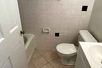Bathroom, 2523 Wilson Blvd 3, 2