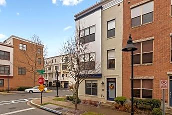 Building, 5815 Lustine St, 1