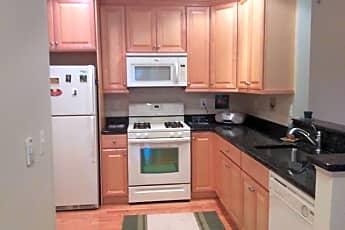 Kitchen, 535 Sophee Ln, 1