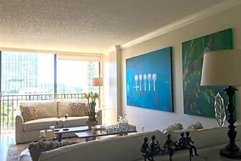 Living Room, 17021 N Bay Rd, 0
