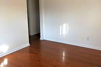 Living Room, 1515 Arling Ave, 1