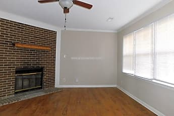 Living Room, 13904 Armond Circle, 2
