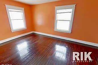 Living Room, 349 Genesee St, 2