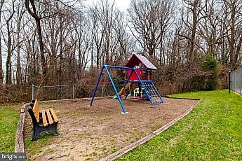Playground, 3901 Lyndhurst Dr 303, 2