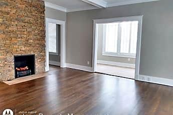Living Room, 285 Hawthorne St, 1