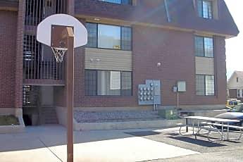 Building, 585 N 400 E, 1