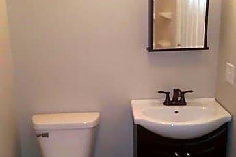 Bathroom, 132 N Mulberry St, 1