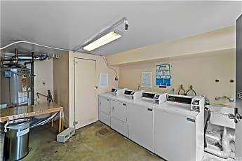 Kitchen, 951 N Gardner St 3, 2